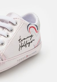 Tommy Hilfiger - First shoes - pink/silver - 5