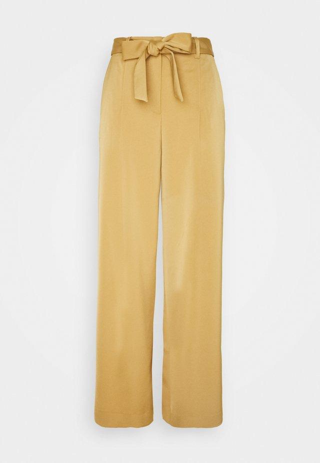 Pantaloni - creme caramel