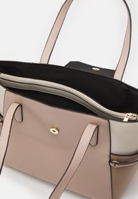 Dorothy Perkins - PADLOCK SHOPPER - Tote bag - blush - 2