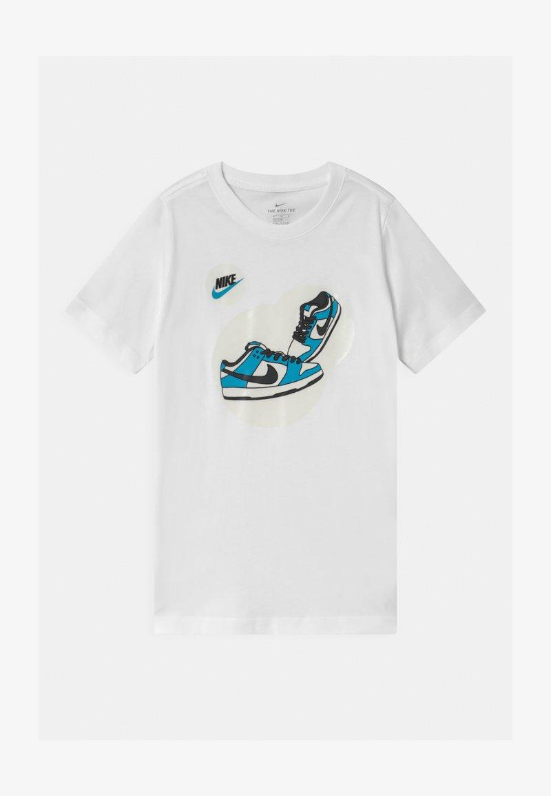 Nike Sportswear - DUNK BUBBLE UNISEX - Print T-shirt - white