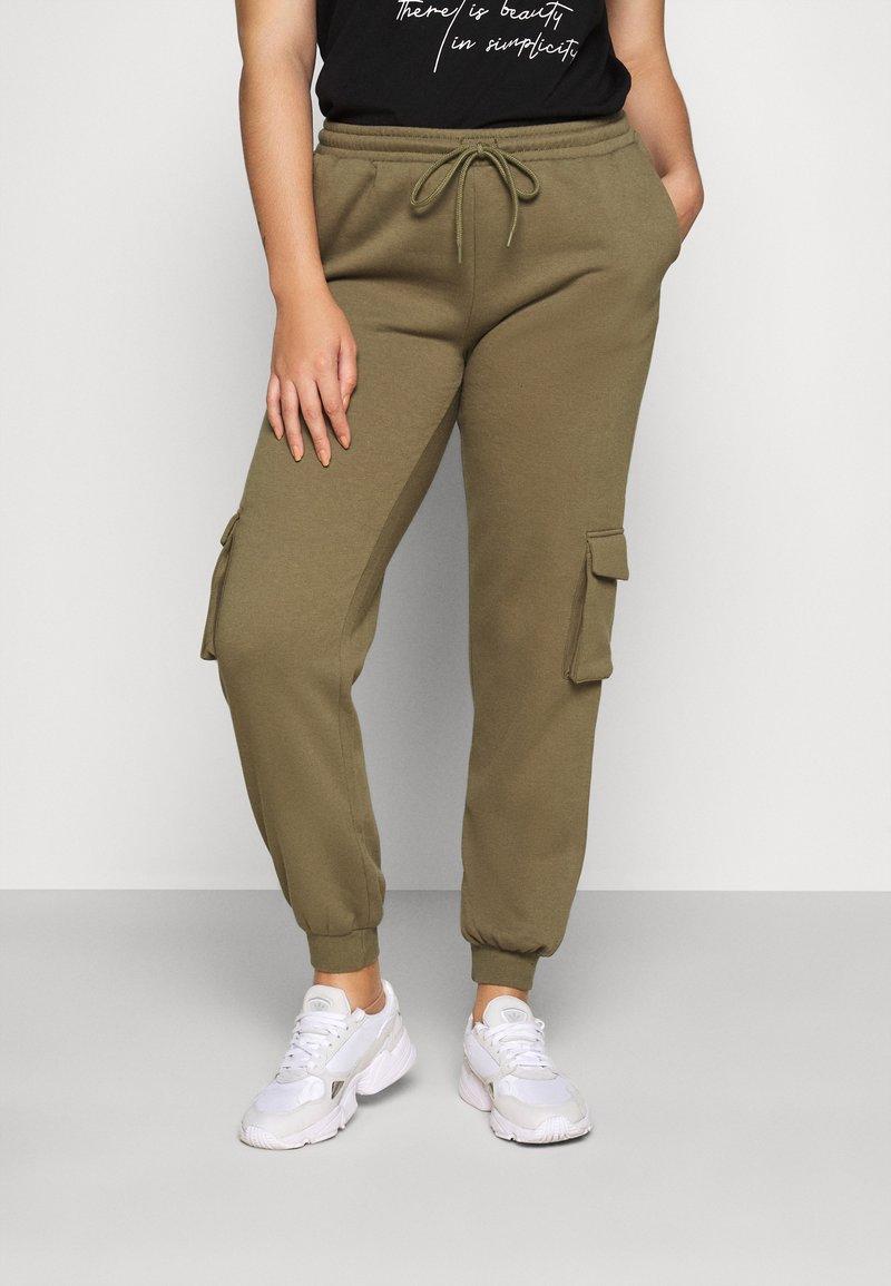 Pieces Curve - PCSARIA PANTS - Pantaloni - burnt olive