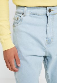 Brave Soul - JAMIE - Relaxed fit jeans - light blue denim - 5