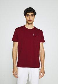 Ben Sherman - SIGNATURE POCKET TEE - Basic T-shirt - red - 0