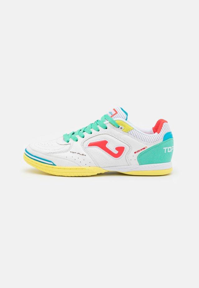 TOP FLEX - Futsal-kengät - white/multicolor
