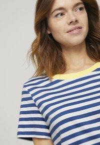 TOM TAILOR DENIM - RELAXED STRIPE TEE - Print T-shirt - blue/white - 3