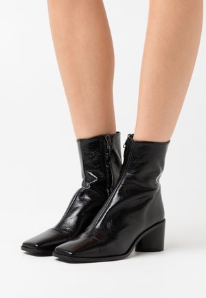 BRISEIS - Bottines - noir