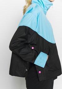 Nike Performance - NBA MIAMI HEAT CITY EDITION WOMENS SNAP JACKET - Training jacket - blue gale /black /laser fuchsia - 6