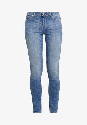 SKINNY - Jeans Skinny Fit - blue light wash