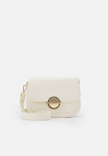 LILAH SADDEL CROSSBODY