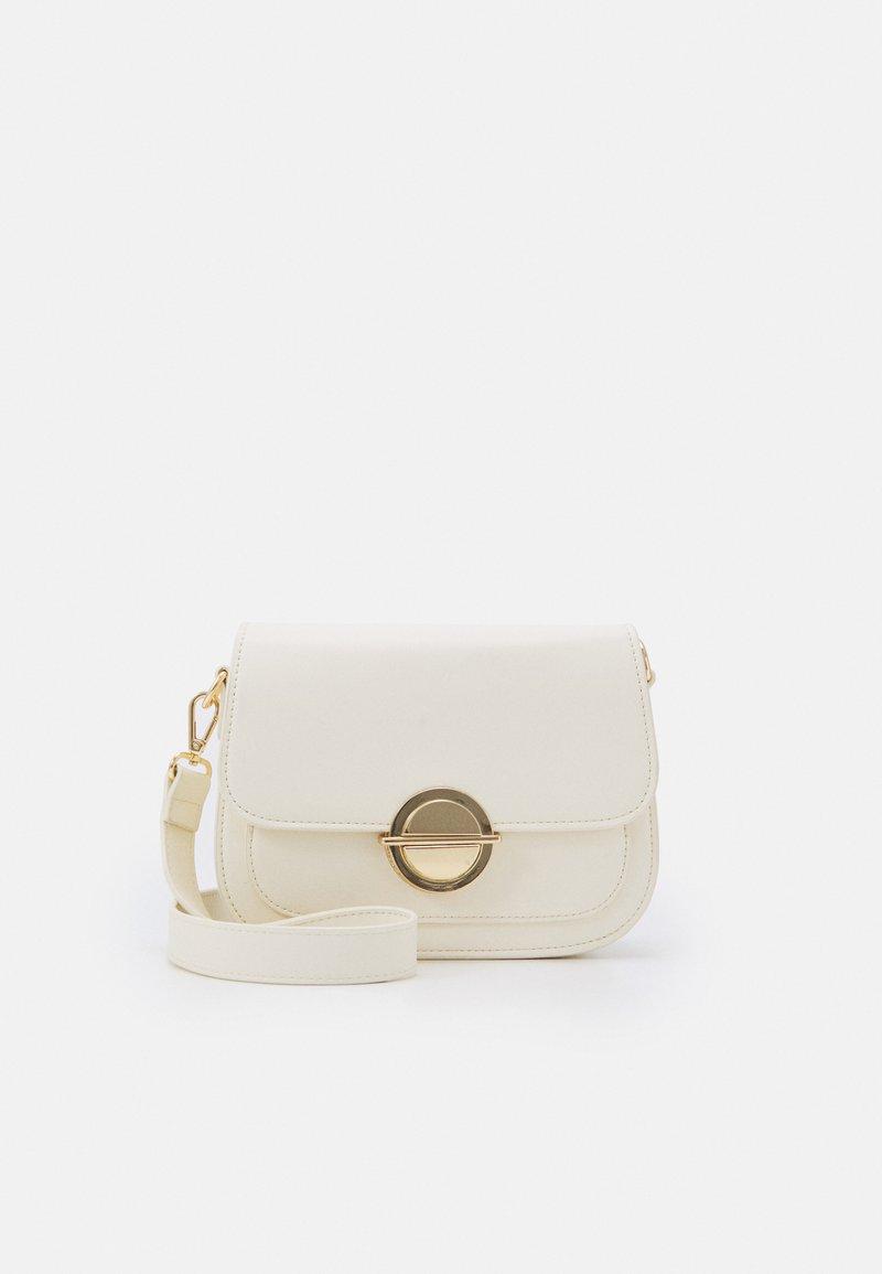Forever New - LILAH SADDEL CROSSBODY - Across body bag - white