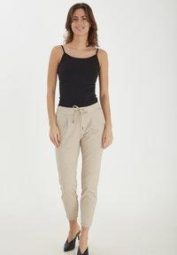 b.young - Trousers - sesam melange - 1