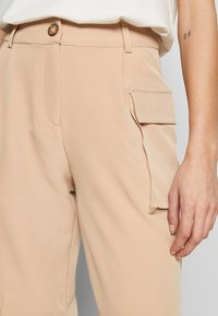 EDITED - SINA TROUSERS - Pantalones - beige - 4