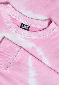 Urban Classics - LADIES TIE DYE CROPPED CREWNECK - Sweatshirt - girly pink - 2