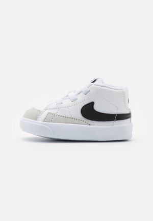 BLAZER MID CRIB - Korkeavartiset tennarit - white/black