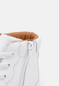 See by Chloé - ESSIE - High-top trainers - white - 6