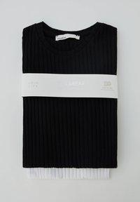 PULL&BEAR - 2 PACK - T-Shirt basic - black - 5