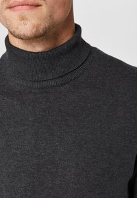 Selected Homme - SLHTOWER ROLL   - Jumper - anthracite - 3