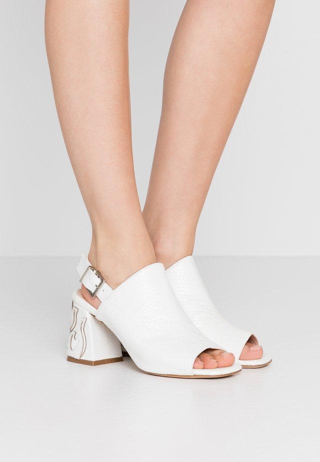 ORTICA STAMPA - Sandals - bianco