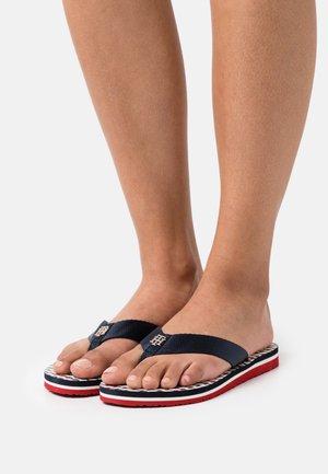 CORPORATE FLAT BEACH - T-bar sandals - desert sky