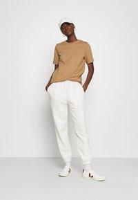 ARKET - Camiseta básica - beige - 1