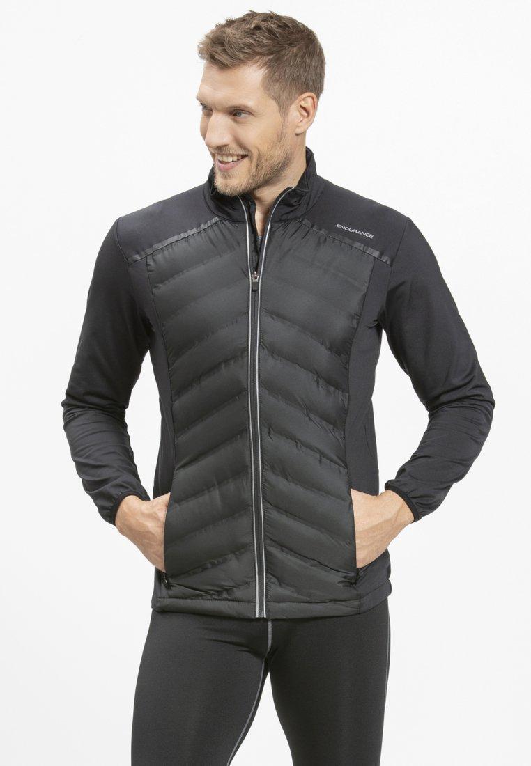 Endurance - MIT WARMER WINTERSTEPPUNG - Outdoor jacket - black