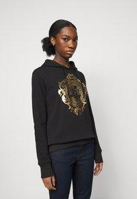 Versace Jeans Couture - Sweatshirt - black-gold - 0