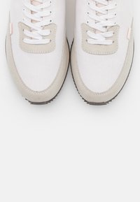 Clae - SIERRA - Zapatillas - white - 5