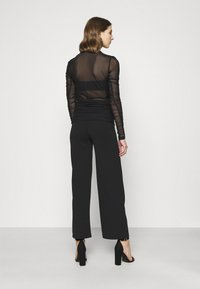 Weekday - MARGERIE LONG SLEEVE - Long sleeved top - solid black - 2