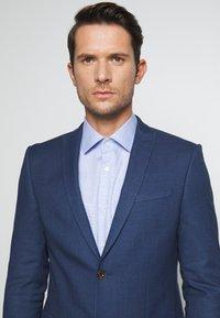 Ben Sherman Tailoring - BRIGHT FLECK SUIT SLIM FIT - Kostym - blue - 6