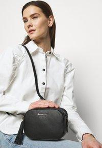kate spade new york - MEDIUM CAMERA BAG - Across body bag - black - 1