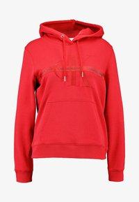 Calvin Klein Jeans - TAPING THROUGH MONOGRAM HOODIE - Hoodie - racing red - 4