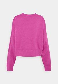 Nike Sportswear - CREW TREND - Sweatshirt - active fuchsia/white - 6