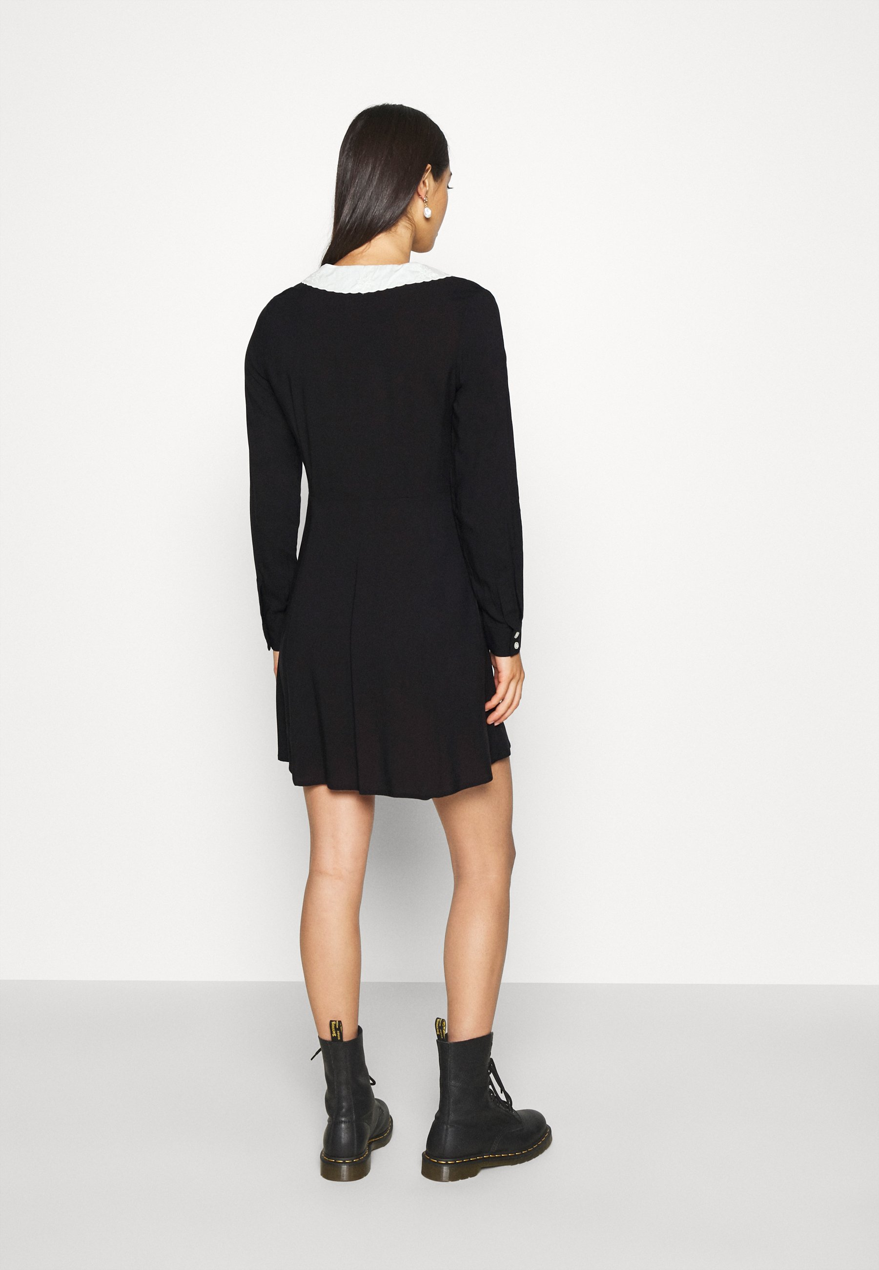 Monki NOOMI DRESS Blusenkleid black/schwarz