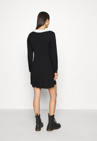 Monki - NOOMI DRESS - Skjortekjole - black