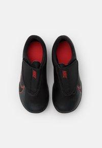Nike Performance - MERCURIAL JR VAPOR 13 CLUB TF UNISEX - Astro turf trainers - black/dark smoke grey - 3