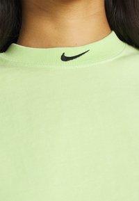 Nike Sportswear - WASH  - Top - ghost green/black - 4