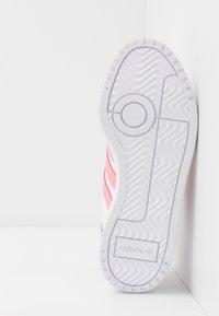 adidas Originals - TEAM COURT  - Trainers - footwear white/glow pink/core black - 5