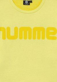 Hummel - ANNESOFIE - Sweatshirt - limelight - 3