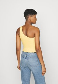 Hollister Co. - ONE SHOULDER  - Topper - yellow - 2