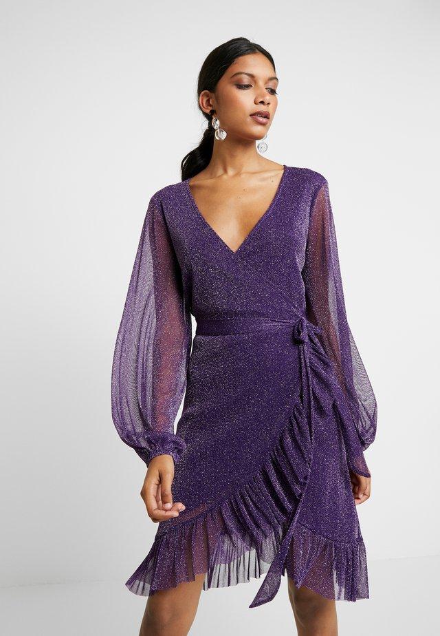 DRESS - Abito in maglia - purple