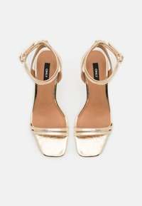 ONLY SHOES - ONLALYX RING  - Sandalias - gold - 5
