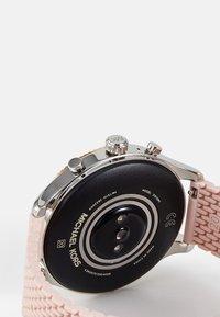 Michael Kors Access - GEN 5 LEXINGTON - Watch - pink - 3