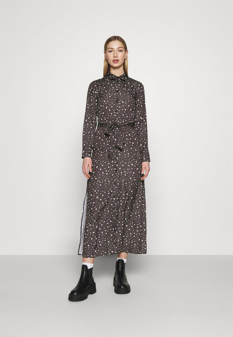 NU-IN - BELTED DRESS - Maxi dress - dark grey