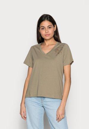 FLORAL - Print T-shirt - light khaki