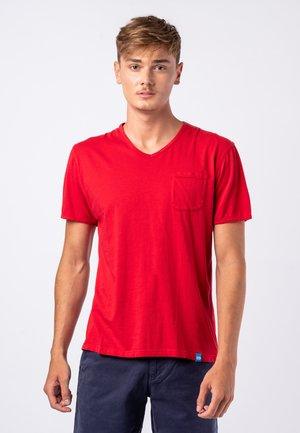 MOJITO - Basic T-shirt - red