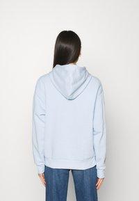 Monki - ODA - Jersey con capucha - blue - 2