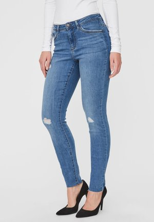 VMTANYA  - Jeans slim fit - medium blue denim