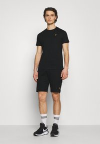 Brave Soul - FINNAN SET - Shorts - jet black
