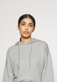NU-IN - CROPPED HOODIE - Sweatshirt - grey marl - 4