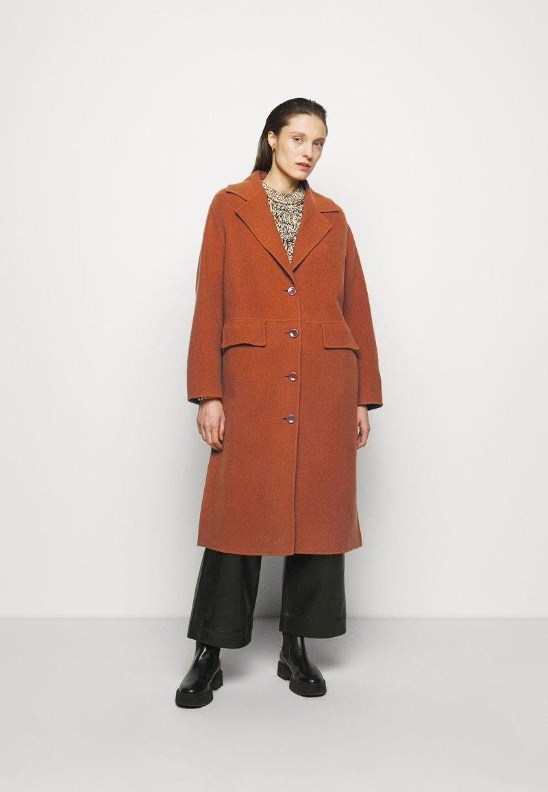 Proenza Schouler White Label - DOUBLEFACE COAT WITH SIDE SLITS - Zimní kabát - chestnut
